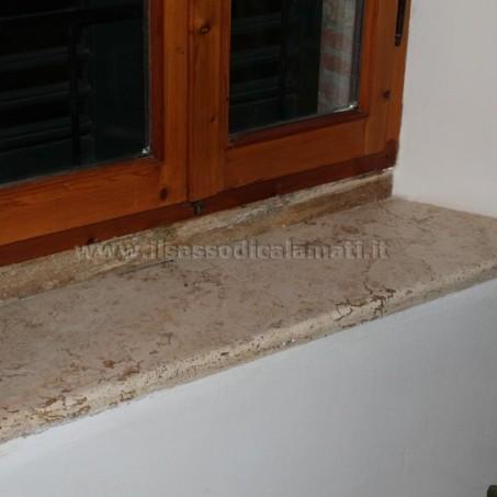 Soglie finestre in pietra frusta per impastare cemento - Soglie per finestre ...