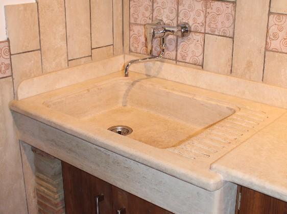 Lavelli in pietra con gocciolatoio   il sasso di calamati
