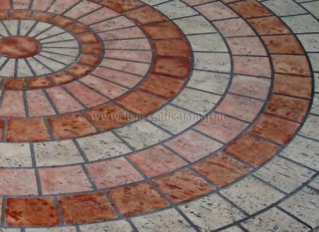 Tavolini in pietra a mosaico il sasso di calamati - Tavolo in pietra giardino ...